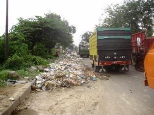 Sampah Berserakan, Walikota Medan Didesak Evaluasi Kadis  Pertamanan dan Kebersihan