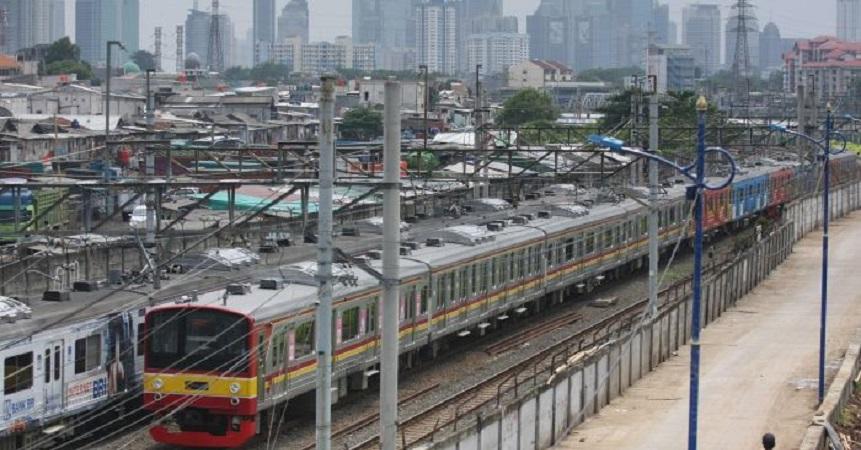 Selasa: KRL Normal, Trans-Jakarta Alami Perpendekan Rute