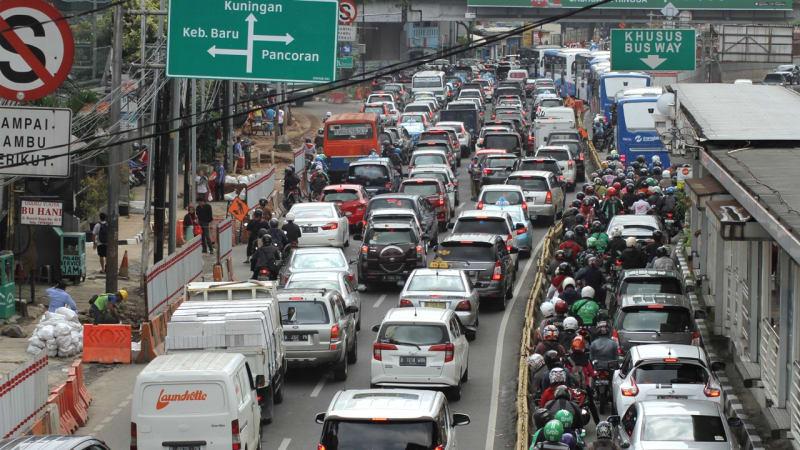 PR Jakarta Semakin Menumpuk