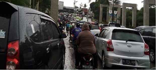 Hujan Deras, Lalin Depok Macet hingga 5 Km