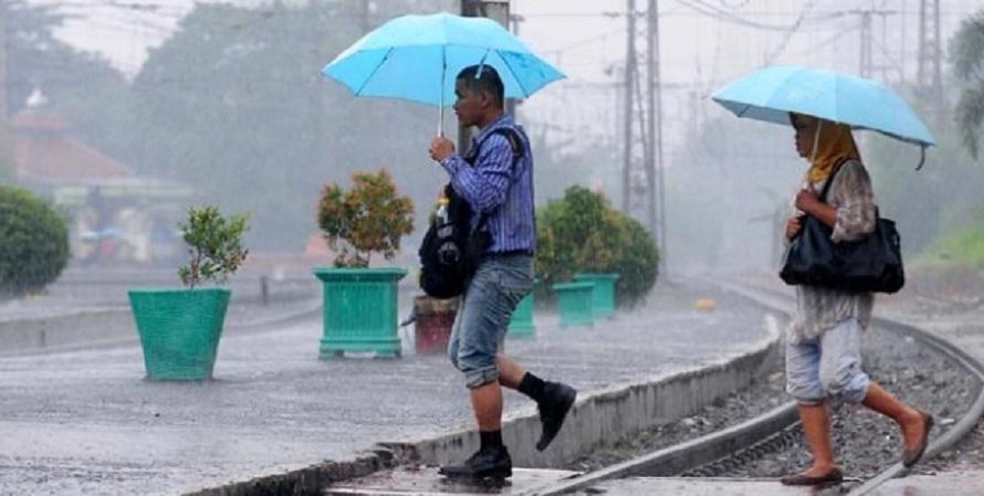 Hari Ibu, Hujan & Petir Diprediksi Terjadi di Jakarta