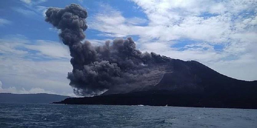 Gunung Anak Krakatau Kembali Erupsi