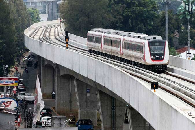 Malam Tahun Baru, LRT Beroperasi Hingga Jam 02.00
