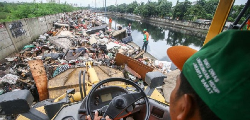 Banjir Jakarta Hasilkan Sampah 50 Ribu Ton