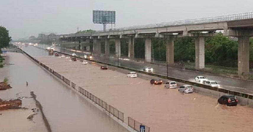 Banjir, 7 Gerbang Tol Jakarta-Cikampek Ditutup Sementara