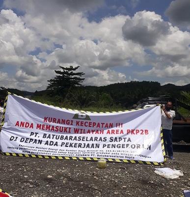 Warga & PT BSS Tutup Akses Yang Digunakan PT KJA Tanpa Izin di Paser Kaltim