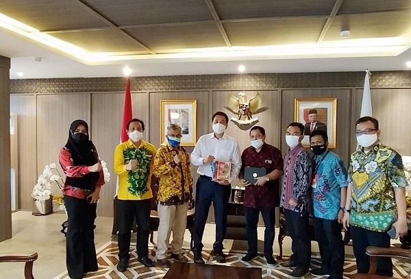 Aziz Syamsuddin: Setelah 5 Tahun Pensiun Baru Terjun ke Politik