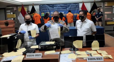 Subdit Jatanras Polda Metro Bongkar Jaringan Pemalsu Tes Swab Negatif Palsu