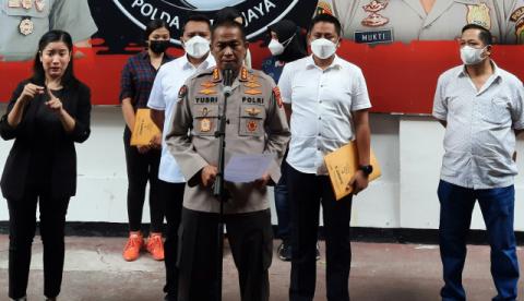 Masih Rawat Jalan Rehab, Millen Cyrus Diserahkan Polisi ke BNNK Jaksel
