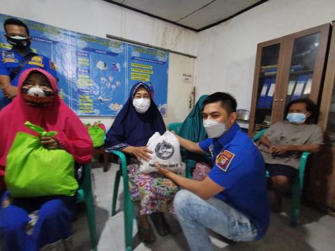 Sat Res Narkoba Polres Metro Jakbar Fasilitasi Swab Antigen Bagi Warga di KTJ Tanjung Duren Selatan
