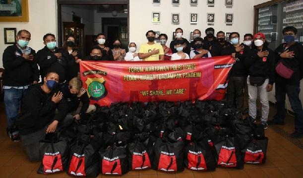 Peduli Sesama, FWP Bagikan Sembako Untuk Warga Terdampak Pandemi