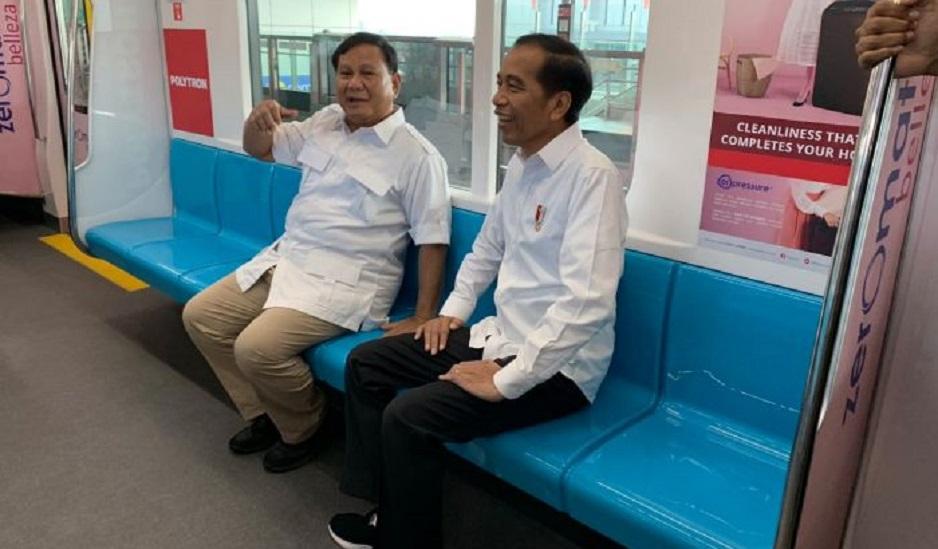 Jokowi-Prabowo Bertemu di Stasiun MRT Lebak Bulus, Penumpang Histeris