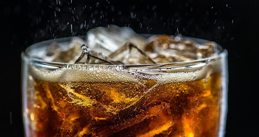 Keseringan Minum Soda, Mau Tahu Bahayanya?