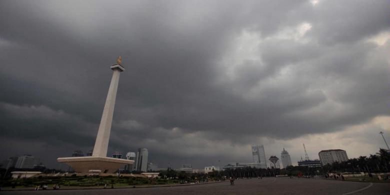 Ahad Siang, Hujan Petir Ancam Jakarta
