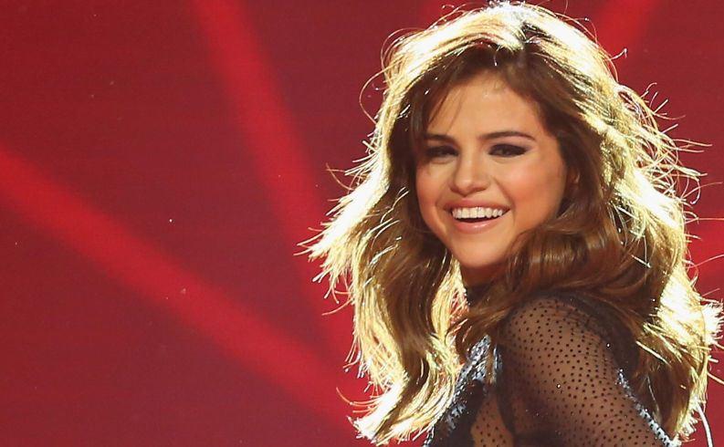 Kesepian, Selena Gomez Rehat dari Panggung Hiburan