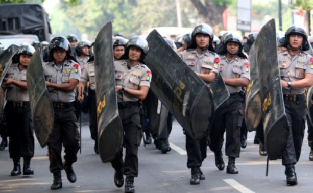 Ratusan Polisi Siaga di Kantor Ahok