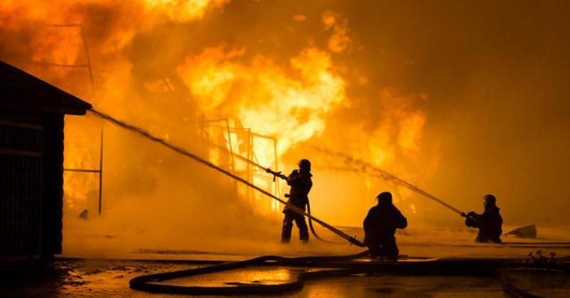 Tiga Lantai Kantor PLN Tanjung Priok Habis Terbakar