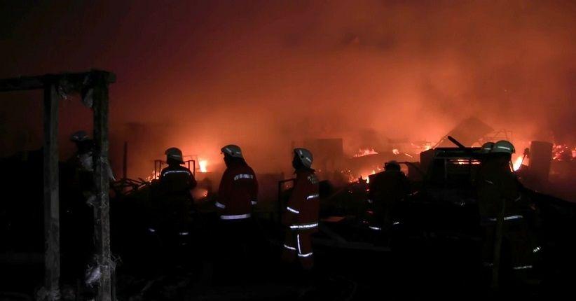 Kebakaran Lapak, 1 Petugas Gugur saat Bertugas