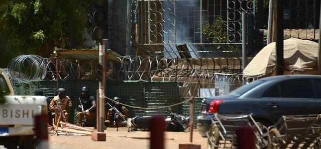 Kedubes Perancis & Markas Militer Diserang, 28 Tewas