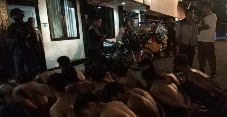 24 Penjarah Toko Baju di Depok Dicokok