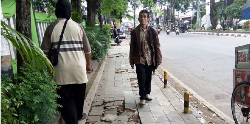 Penataan Trotoar Asian Games Jakarta Amburadul
