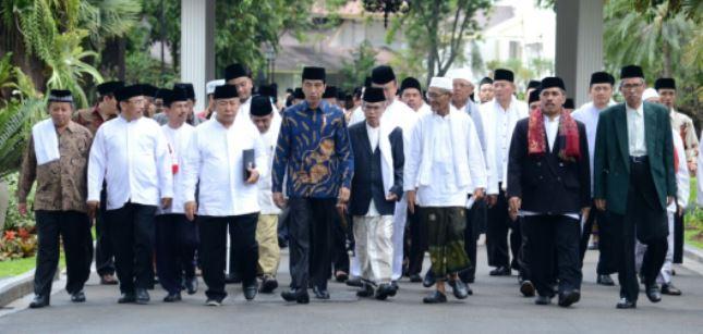 Shalat Idul Adha: Jokowi di Cibinong JK di Istiqal