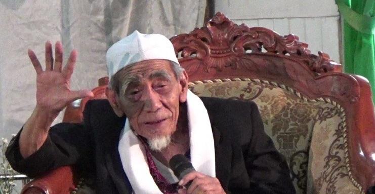 Tokoh NU Mbah Moen Meninggal Dunia Saat Ibadah Haji