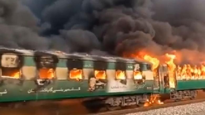 Kereta Pakistan Terbakar, 65 Penumpang Tewas Terpanggang