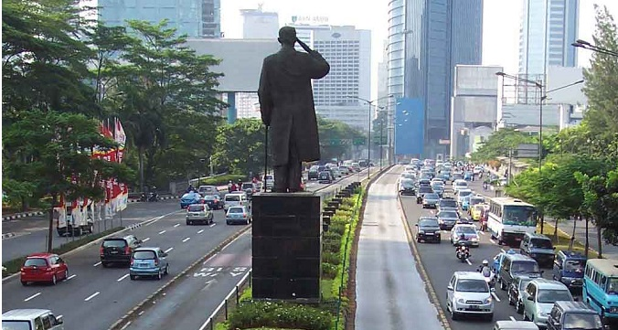 Petisi Penolakan Larangan Motor di Jalan Sudirman Tembus 7.000