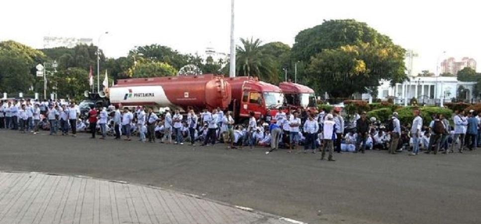 Dua Mobil Tangki Pertamina Dibajak untuk Demo Depan Istana