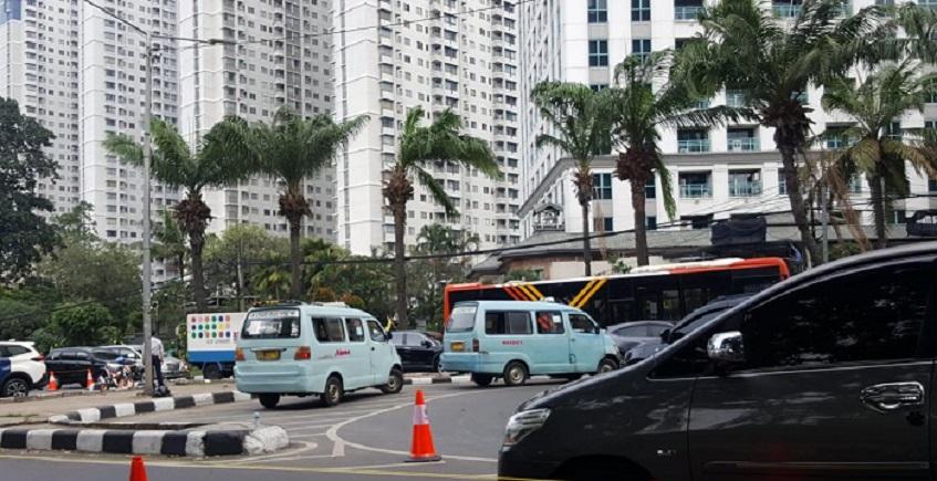 Putar Balik Depan City Walk Ditutup