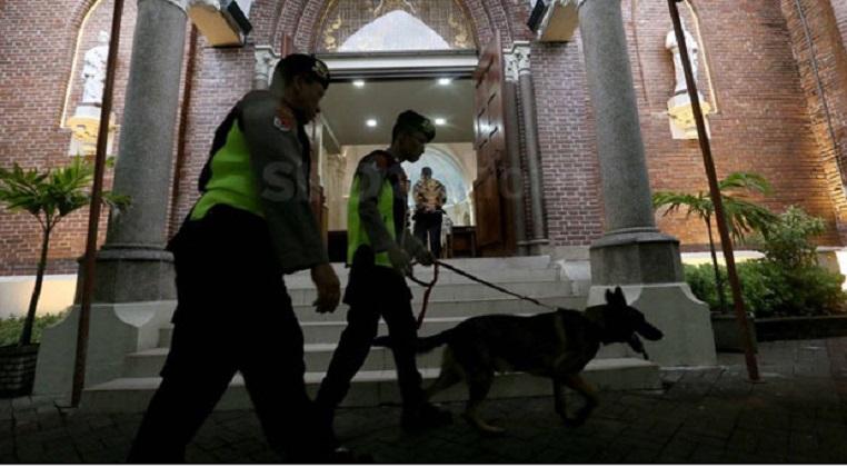Amankan Natal, Penjinak Bom & Anjing Pelacak Dikerahkan