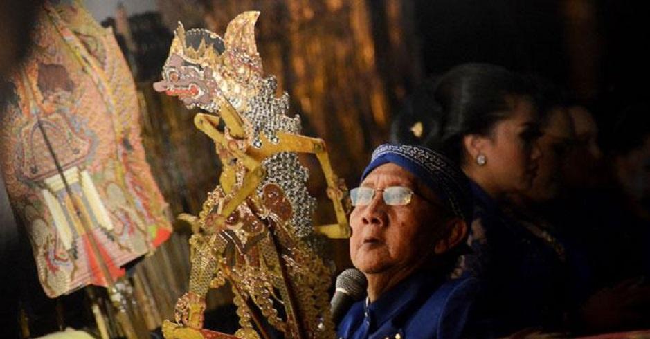 Wayang Tampil di Istana, Dalang Ki Manteb Bangga