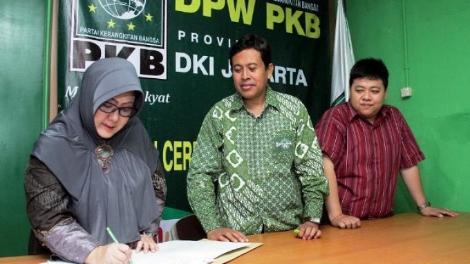 Berantas Mafia Tanah, Notaris Trie Sulistiowarni Maju  Pilkada DKI 2017
