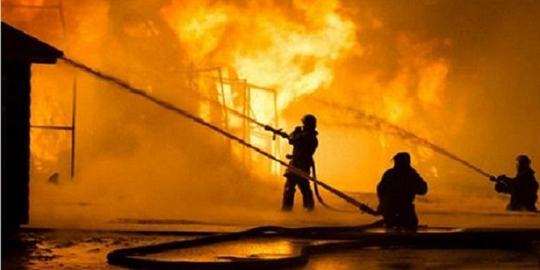 2 Gudang di Tangsel Hangus Terbakar, 1 Orang Tewas