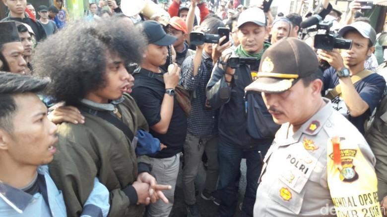 Pembongkaran Rumah Diwarnai Bentrokan, 6 Penghadang Dibekuk