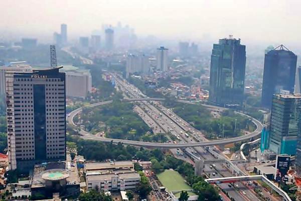 Gubernur DKI Larang Motor Lintasi Simpang Susun Semanggi