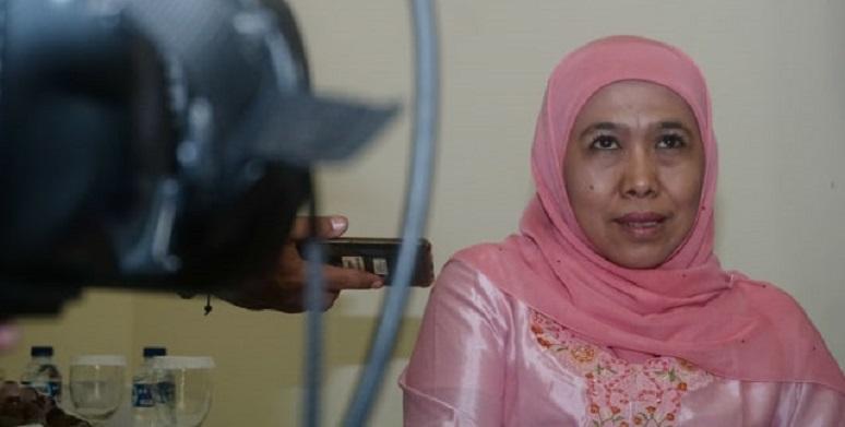 Kasus Suap, Gubernur Khofifah Mangkir Panggilan KPK