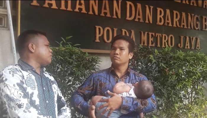 Bapak Ibu Dipenjara, Dua Bayi Hidup Memprihatinkan