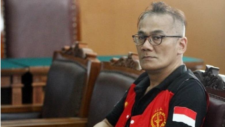 Tio Pakusadewo Divonis 9 Bulan Bui
