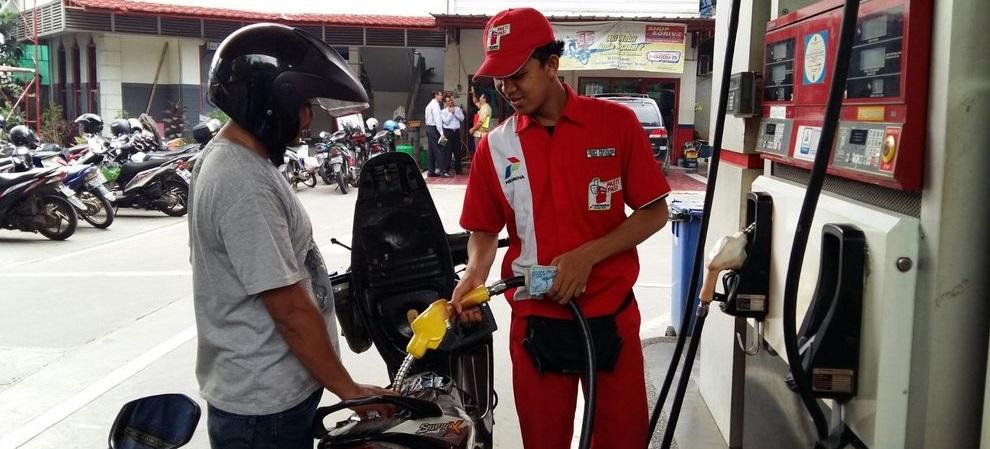 Konsumen Jakarta Senang Harga BBM Turun Meski Sedikit