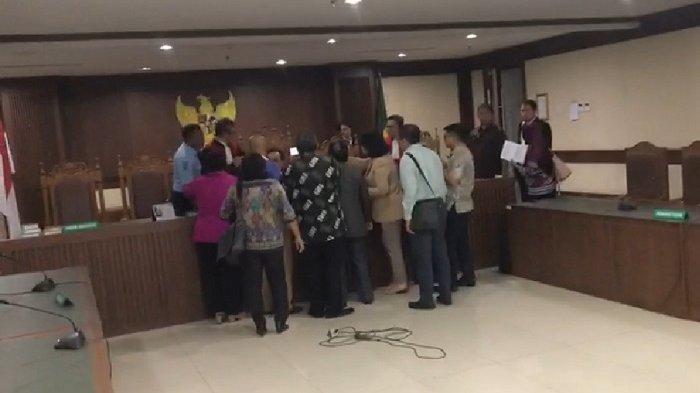 Pukul Hakim, Pengacara Tomy Winata Jadi Tersangka