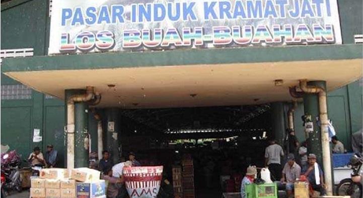 Pedagang Pasar Induk Kramatjati Dipungli Aparat Pasar