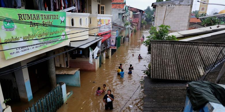 Langganan Banjir, Warga Ciracas Kurang Diperhatikan