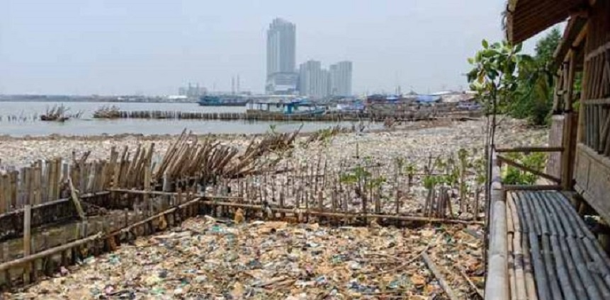 Pemprov DKI Jakarta Janji: Seminggu Sampah Muara Angke Bersih