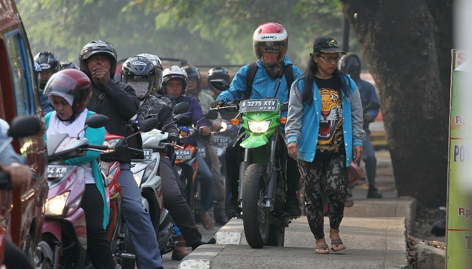 Di Jakarta, Nyawa Pejalan Kaki Terancam