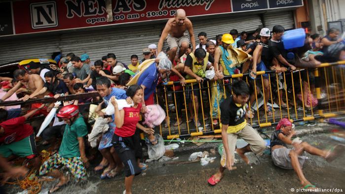 Filipina Diterjang Badai Tropis, 200 Orang Tewas