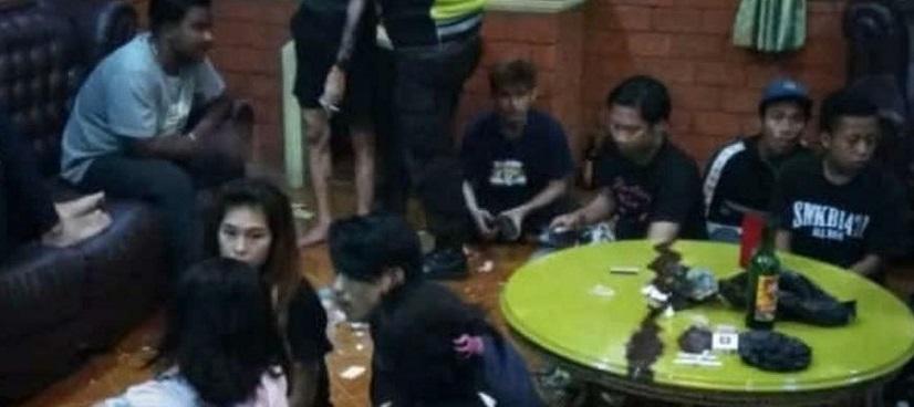 Digerebek Saat Gathering Maksiat, 32 Muda-mudi Ditangkap