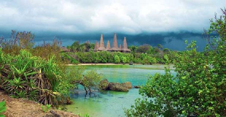 Infrastruktur Pariwisata Pulau Sumba Parah
