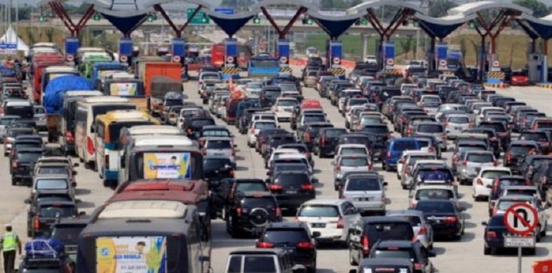 Tol Jakarta-Cikampek Padat Merayap, Contraflow Diberlakukan